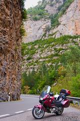CONGOSTO DE VENTAMILLO (DOCESMAN) Tags: congosto cañon desfiladero deauville honda nt700v pirineos pyrenees moto bike motor motorcycle motorrad motorcykel moottoripyörä motorkerékpár motocykel mototsikl ntv700 docesman danidoces