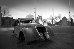 cars (gastondrouet) Tags: voiture photo mc noir et blanc oradour sur glane monocrome picture