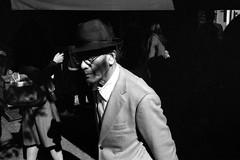 (ore ore) Tags: asakusa tokyo japan ishootfilm buyfilmnotmegapixels leica m4 summicron35 rolleiretro streetphotography bwfp