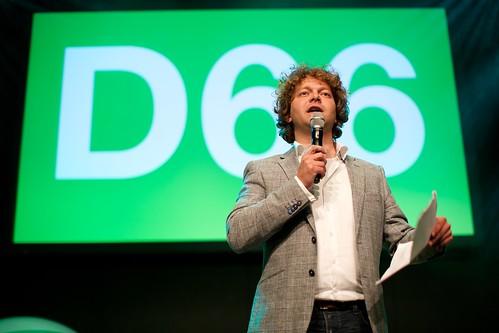 Tobias van Elferen bij de D66 uitslagenavond Europese verkiezingen 2014 in Nijmegen
