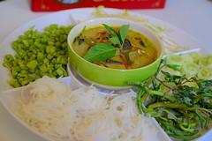 ชุดขนมจีน-แกงเขียวหวาน ร้านบ้านต้นไข่ เมนูเด็ด ประจำร้าน
