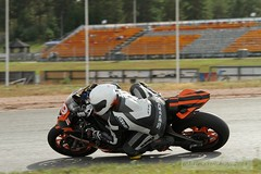 IMG_6067 (Holtsun napsut) Tags: ex sport finland drive track bikes sigma os days apo moto bmw motorcycle finnish 70200 f28 dg rata kes motorrad traing spyke piv moottoripyr alastaro spidi trackdays motorbikers eos7d bmws1000rr moottorirata ajoharjoittelu moottoripyoraorg polvimaassa nopearyhm