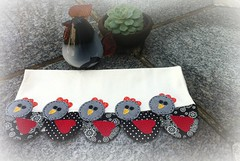 PaNo De PrAtO GaLiNhAs (DoNa BoRbOlEtA. pAtCh) Tags: chickens handmade application patchwork applique cozinha galinhas aplicação panodeprato donaborboletapatchwork denyfonseca