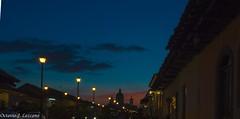 Atardecer en la calzada (Zeros86) Tags: sunset landscape nikon bonito colonial fuente lindo granada nicaragua nikond3200 lacalzada d3200 latinomerica callelacalzada lacalzadastreet octaviojoselezcanohernandez zeros86 zeros86photography