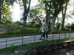 """Rolf und Annemarie auf dem Treidelpfad • <a style=""""font-size:0.8em;"""" href=""""http://www.flickr.com/photos/10582695@N03/14884799513/"""" target=""""_blank"""">View on Flickr</a>"""