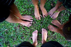 the boys barefoot (Josadaik Alcntara Marques) Tags: playing tree green feet boys beautiful childhood kids children photography foot freedom amazing flickr farm sony awesome liberdade nios diamond kind barefoot stio ps crianas enfant boyhood nio garotos garon kidding bambinos dijete puer infano diverting tamaiti psdescalos legaron passionshots