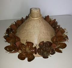 Luminaria juta (Ione logullo(www.brechodeideias.com)) Tags: pet flores sol riodejaneiro rosas garrafa abajur lampada ventilador tecido luminária juta chitão