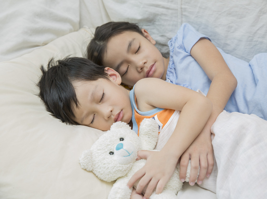 child sleeping (anekphoto) Tags: china morning family boy baby cute green  love girl