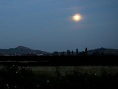 Harvest Moon Rising (brown.thalia) Tags: fullmoon moonrise harvestmoon glastonburytor