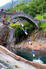 Verzasca cliff diving (lukas schlagenhauf) Tags: verzasca ticino cliffdiving pontedeisalti switzerland myswitzerland