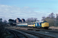 Oldies again 2nite...Sunday diversions betwix Wolves and Nuneaton used to throw up any random motive power...not too often 37's tho....1A06 37426/86409 09-00 Wolves-Euston Whitacre Jnc 22-03-1987 (the.chair) Tags: sunday diversion 1a06 3742686409 wolverhamptoneuston whitacre jnc march 1987