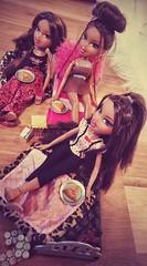 Tess party (Merriive) Tags: bratz bratzdolls doll dolls oldbratz tess slumber slumberparty pyjama fun friends twiins