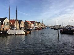 Hafen Urk Niederlande (masteruser1999) Tags: 2016 autumn blauerhimmel flewoland hafen ijsselmeer iphone6splus iphone6s netherland niederlande schiff urk urlaub vgel wasser water