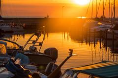 Sunset light (Infomastern) Tags: skanr boat bt hamn harbour hav marina sea solnedgng sunset