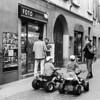 Tutti su quattro ruote! (sirio174 (anche su Lomography)) Tags: quad minicar veicoli bambini children motorizzati como viadiaz candid