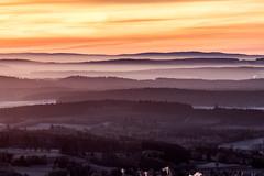 Herbst im Fichtelgebirge 08 - kurz vor Sonnenaufgang (ho4587@ymail.com) Tags: tamronsp70200f28divcusd herbst fichtelgebirge berge himmel nebel wolken landschaft farben sonnenaufgang