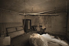 camera da letto (sanino fabrizio) Tags: camera letto vecchio antico vintage abbandonato abandoned seppia bn interno edificio casa mobili armadio stanza canon 550d 1020 sigma