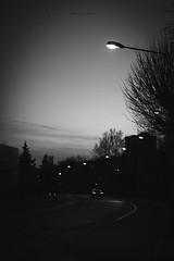 virago (mamuangsuk) Tags: virago bend curve virage curva nightshot streetphotography atduskwerise caratnight perspective lignedefuite fujifilmacros fujixpro2 fujinonebcxf5612 mamuangsuk
