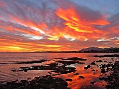 Ocaso en el Mediterráneo (Antonio Chacon) Tags: sunset españa art sol canon atardecer photography mar spain europe day arte cloudy photos andalucia fotos costadelsol puestadesol málaga marbella malága