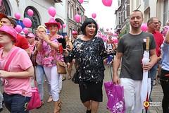 Roze Maandag Tilburg - 2014 (Omroep Brabant) Tags: pink gay feest holland nederland dragqueen tilburg brabant maitai dragqueens roze homos rozemaandag tilburgsekermis omroepbrabant thenetherland lesbiennes travestieten violaholt anitameijer verdraagzaamheid wwwomroepbrabantnl homofeest joshoebee