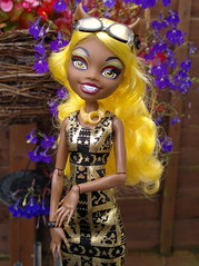Clawdia Wolf (DollyDolly - The Lass with Toys and a Camera) Tags: smile monster werewolf topv555 doll mh clawdia yellowhair dollwithglasses monsterhigh clawdiawolf