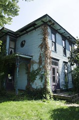 Abandoned House c. 1900s (aj-mate_ photography) Tags: city ohio house abandoned architecture historic forgotten approved zanesville urbanexploring d5100