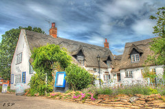 Staithe and Willow, Horning (Emily Starbug Photography) Tags: willow kit 1855mm resturant hdr horning staithe norfolkbroads canon1100d emilystarbug
