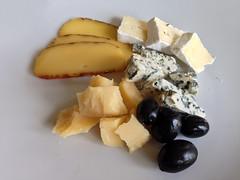 Tabla de quesos en Lituania (Ricard2009 (Mart Vicente)) Tags: cheese queso queijo sir fromage ost formaggio sajt kaas  caws  formatge peynir gazta      brnz sris ilobsterit