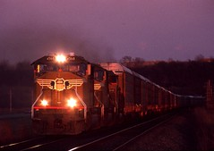 On the Gold/Blue hour border (Ayar Talore) Tags: up wings pacific union kansas sd70m