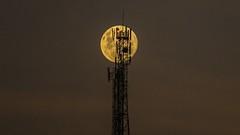 Moon waves (Diego S. Mondini) Tags: