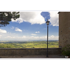 Montepulciano with a View (horstmall) Tags: italien summer italy town italia view wine sommer tuscany vista vin lantern montepulciano aussicht toscana été laterne italie ville vino wein toskana städtchen horstmall