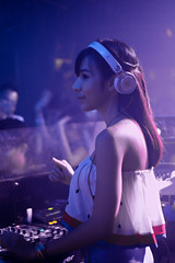 Pretty DJ (Rickloh) Tags: music woman beautiful lady club asian dance singapore pretty rick samsung oriental sg nx mirrorless nx30 samsungnx rickloh nxsg