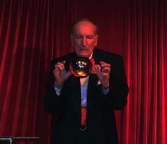 illusionist#illusionista-nevio martini-56643# (Bazar del Bizzarro) Tags: magic mago numero magician spettacolo magia illusionist sfera prestidigitatore levitazione illusionismo prestigiatore illusionista prestidigitazione neviomartini