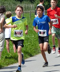 Very fast boys 5 (Cavabienmerci) Tags: boy sports boys sport youth race children schweiz switzerland à child suisse earring running run course runners earrings pied runner 2014 läufer münsingen lauf coureur coureurs louf münsiger
