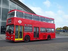 MD60 KJD260P (Waterford_Man) Tags: duxford restoration londontransport showbus ensignbus metroscania md60 kjd260p