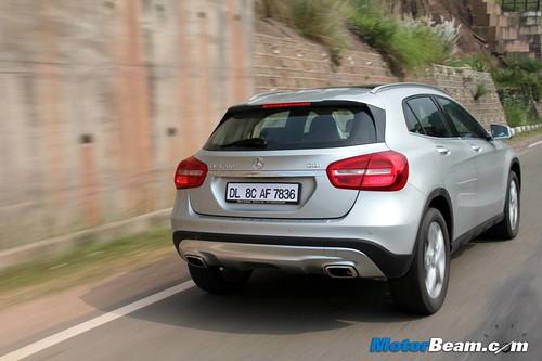 2014-Mercedes-Benz-GLA-04