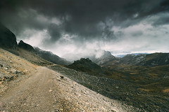 To Sotres (RuiFAFerreira) Tags: landscape mountains picos picosdeeuropa creative fuente d canon 60d 1018mm wide uwa vsco sky dramatic road