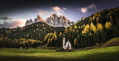 Chiesetta di S. Giovanni (Frederic Huber | Photography) Tags: 1124 1635 2016 2470 70200 landschaft altoadige autumn canoneos5dsr dolomiten dolomites eos fotodiox frederichuber freearc herbst landscape photography south tirol wonderpana wwwfrederichubercom bozen villnss sdtirol alto adige tyrol italy italien italia sunset sonnenuntergang val di funes geisleralm geisler ranui san giovanni mountain berge peak fall frederic huber le long exposure kapelle st johannes yellow gelb snow schnee trees bume explore explored