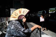 * (Sakulchai Sikitikul) Tags: street snap streetphotography summicron sony a7s thailand bangkok fan busstop 35mm leica