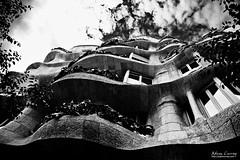 La Pedrera (Casa Mil) (Adam Currey) Tags: casamil lapedrera barcelona gaudi catalunya spain es