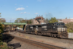 Balance of Equipment (sullivan1985) Tags: northjersey newjersey nj ns8981 ns9551 d944cw cpmarion conrail ns 63v jerseycity freight freighttrain intermodal baretable generalelectric ge norfolksouthern northernbranch sharedassets
