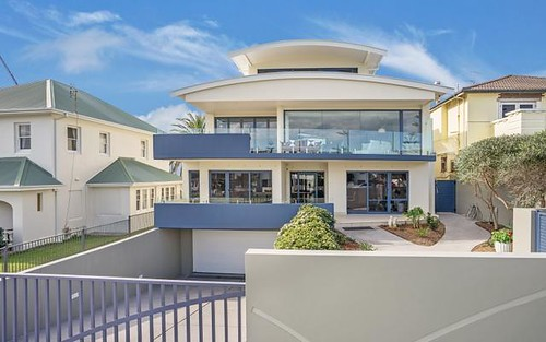 6 Parkway Avenue, Bar Beach NSW 2300