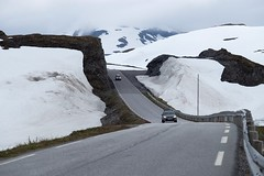 Norway (linwujin) Tags: norway europe euro snow road car white fujifilm xt1 landscape
