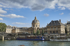 Navegando por el Sena 14 (CarlosJ.R) Tags: francia institutdefrance pars sena