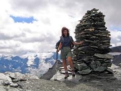 La pointe des fours (maxguitare1) Tags: randonneur mochilero backpacker montagne mountain montagna montaa neige nieve neve snow alpes france vanoise savoie kairn