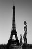 Statues du palais de Chaillot (stephane_p) Tags: pentax toureiffel blackandwhite blackwhite bw monochrome nb noirblanc noiretblanc paris pentaxart
