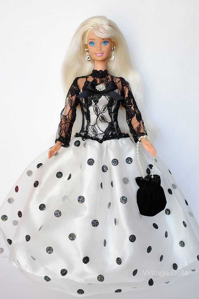 The world 39 s best photos of 1994 and barbie flickr hive mind for Malette couture