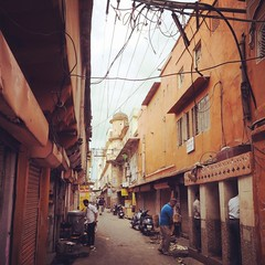 (kekyrex) Tags: india streets urinals jaipur rajasthan alleys bazaars