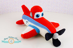 Dusty, The Plane (ItsyBitsyAmi) Tags: blue red white dusty nikon stripes crochet cartoon yarn seven planes amigurumi d7000