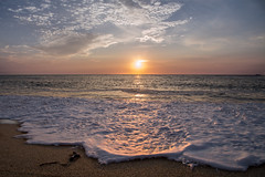 Atardecer (mrMunny) Tags: light sunset sea naturaleza luz beach nature canon atardecer mar waves playa mikel olas borrega